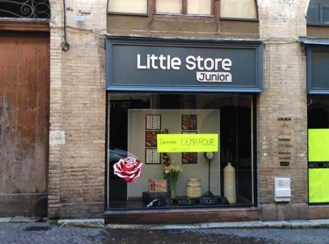 Petite boutique remplie de sourires