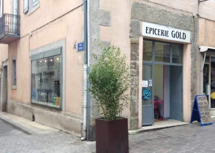 A l'angle de la rue Courtelaire et de la rue Voltaire