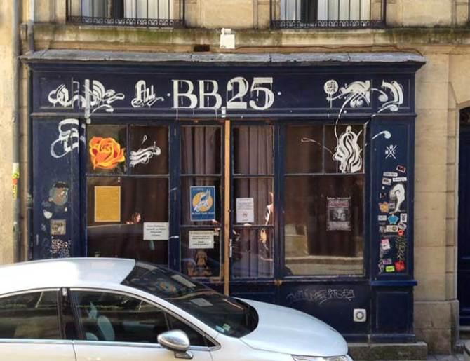 Bonne adresse de nuit, tenue par Valérie et karine. 25, rue Bouquière