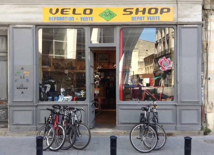 Chez Guillaume, la bonne adresse pour ceux qui aiment la bicyclette. 32,Place de la Ferme de Richemont (place du parking Victor Hugo)