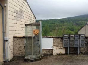 Cabine qui fonctionne toujours au Peyrots, sur la communne de Belesta en Ariège