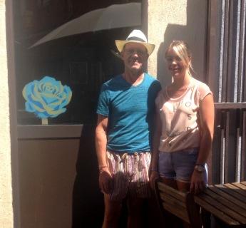 Jeff et Coralie au Burger Club Adresse très sympa. 2 Place des poilus.